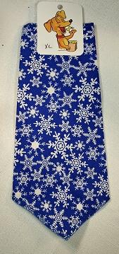 Mooch's Munchies Dog Bandanna, Blue/White Snowflake, Medium