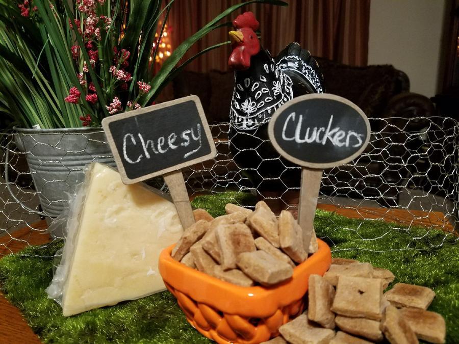 Mooch's Munches Cheesy Cluckers Dog Treats, 1/4-lb