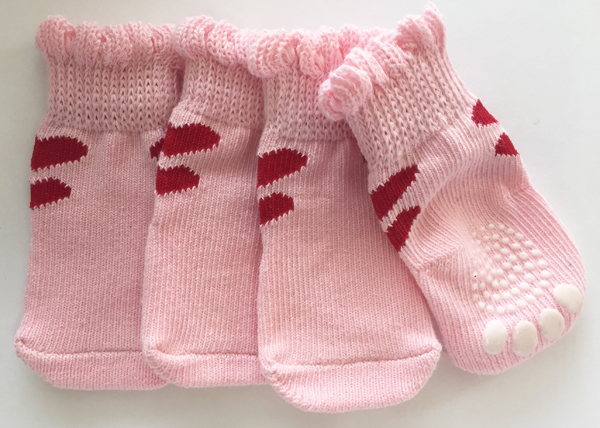PAMPET / Puppe Love Dog Socks, Non Slip 2 Hearts Pink, Small