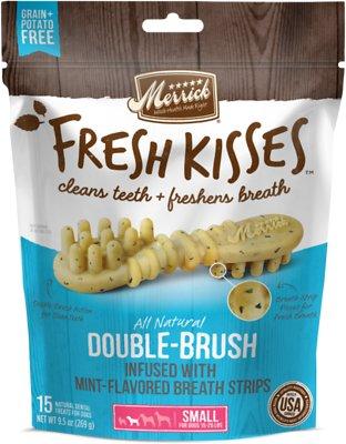 Merrick Fresh Kisses Double-Brush Mint Breath Strips Small Grain-Free Dental Dog Treats, 15-count