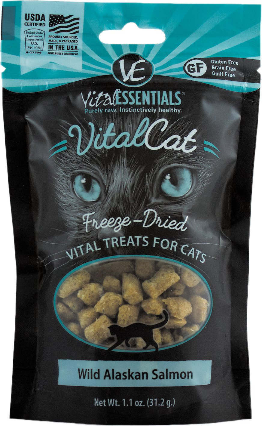 Vital Essentials Vital Cat Treats Wild Alaskan Salmon Freeze-Dried Cat Treats, 1.1-oz bag