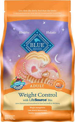 Blue Buffalo Weight Control Chicken & Brown Rice Recipe Adult Dry Cat Food, 3-lb bag