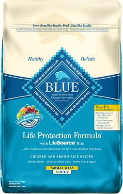 Blue Buffalo Life Protection Formula Small Bite Adult Chicken & Brown Rice Recipe Dry Dog Food, 15-lb bag