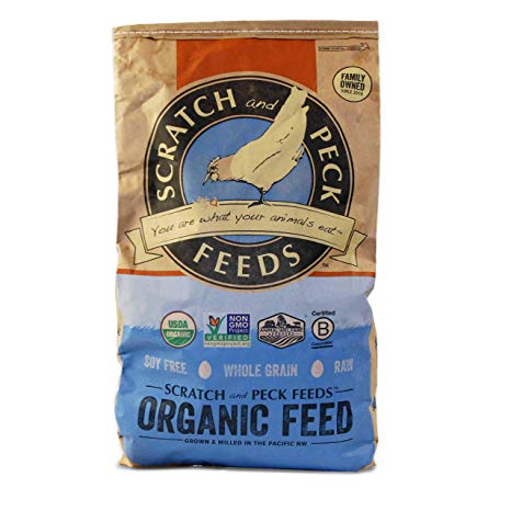 Scratch & Peck Naturally Free Organic 16% Layer for Chickens, 40-lb