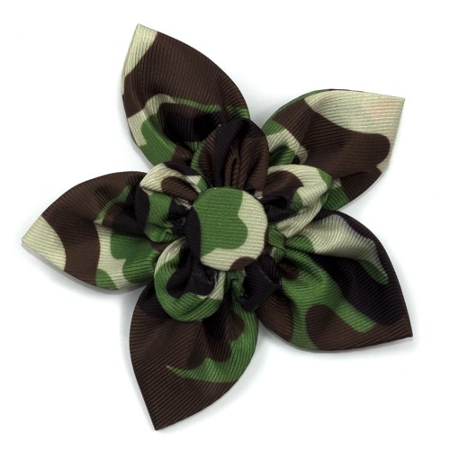 The Worthy Dog Collar Flower, Camo Brown, Large
