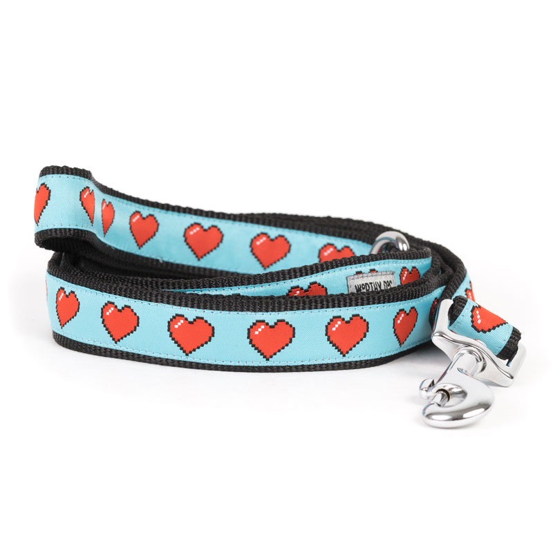 The Worthy Dog Leash, Graphic Hearts, Small (5/8-in)