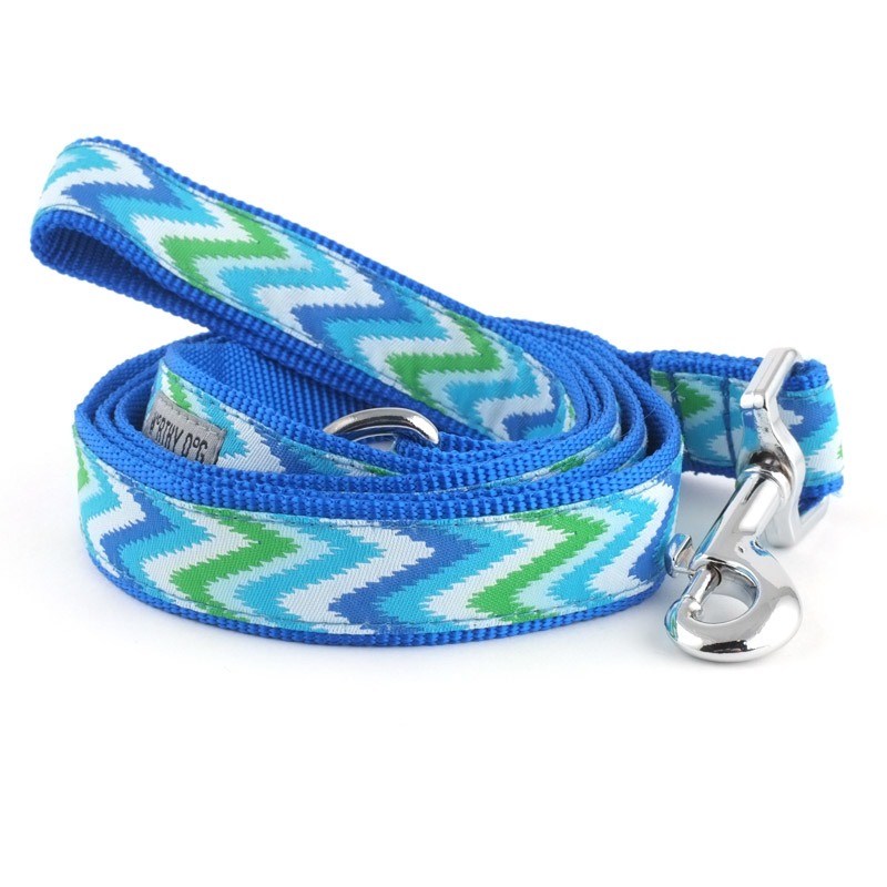 The Worthy Dog Leash, Static Chevron Blue, Large (1-in)