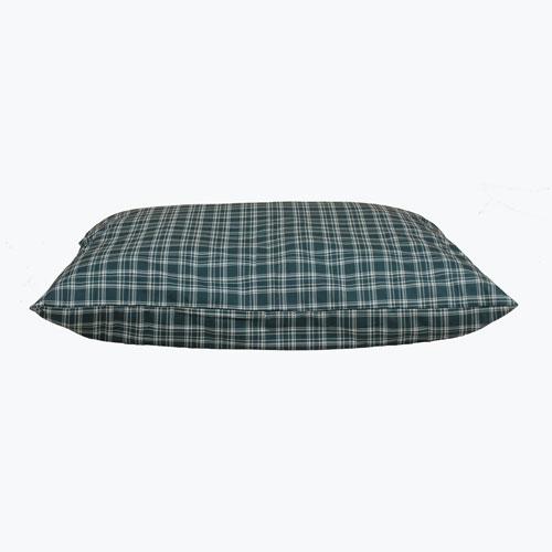 Carolina Pet Company Shebang Indoor & Outdoor Dog Bed, Green Plaid, 27-in x 36-in