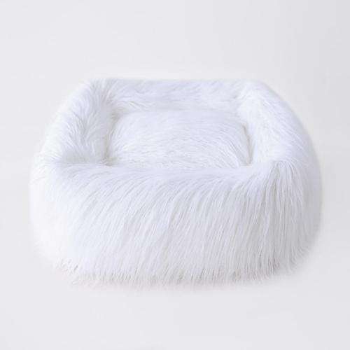 Hello Doggie Himalayan Yak Dog Bed, White